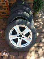 Set of bmw mags and tyres 18 inch for bmw x5