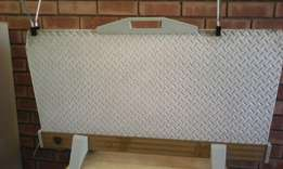 Capil heater with clothes drying rack