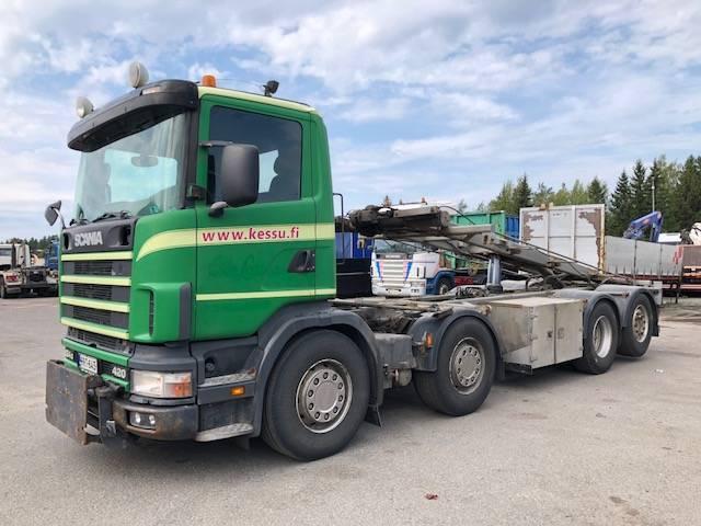 Scania P124 420 8x2/4 - 2003