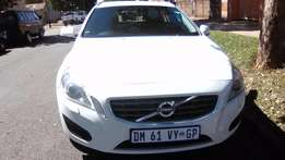 2012 volvo S60 T4 2.0 automatic excellent condition