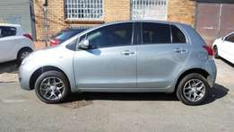2009 model toyota yaris t3 hatchback,silver,63 000km,for sale