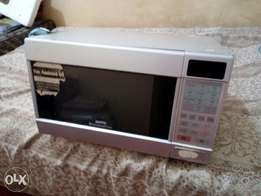 Sanyo microwave oven 32Litre with power problem. Needs repair