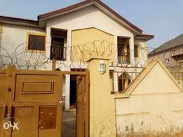 For sale a clean 5 bedroom duplex in Efab city estate Jabi life camp A