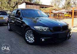 2010 BMW 320i with Leather Interior