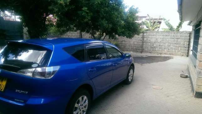 2006 well maintained blue Toyota Caldina Kitengela - image 3