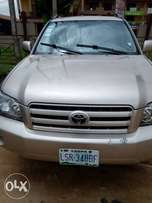 Clean Toyota Highlander 2006 model buy and travel