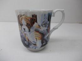 834e93d0c463f Kubek porcelanowy wzór koty i psy (z murem)