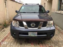 Neatly used Nissan pathfinder 2008 model accident free Lagos cleared