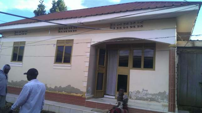 House for sale in kyengera Kampala - image 1