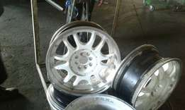 """18"""" white lenzo mags without tyres"""
