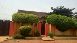 3bedroom self compound for rent