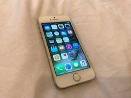 apple iphone 5s gold 16GB O2/Giff gaff with sync cable