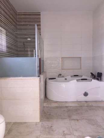 5 beds, 5 baths, 6 toilets plus bq Lekki - image 7