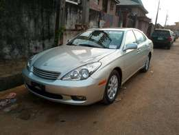 Tokunbo Lexus es330 full option with navigation, reverse sensor, etc
