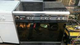 Royalty 6-unit gas cooker oven with grill.