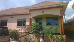 Gorgeous 2 bedroom house in najeera at 600k