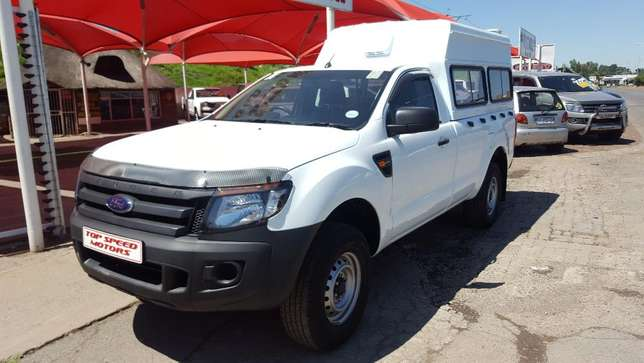 Ford Ranger 2.5i xl hi-trail petrol Vereeniging - image 2