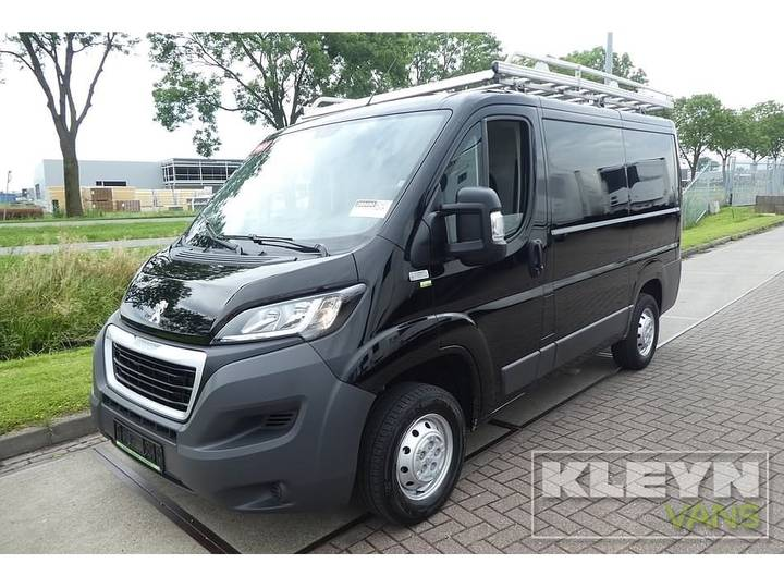 Peugeot BOXER 130 HDI COMF. kort/laag, zwart, ai - 2015