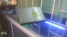 Hp elitebook corei5,4gb 500hd