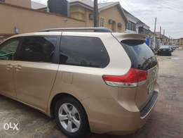 Neatly used Toyota Sienna 2012 model just like tokunbo Lagos cleared