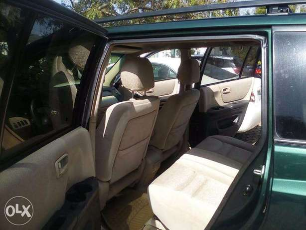 SUPER CLEAN highlander for give away price Central Business District - image 3