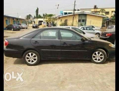 clean tokunbo toyota camry xle 2006 black lagos mainland. Black Bedroom Furniture Sets. Home Design Ideas
