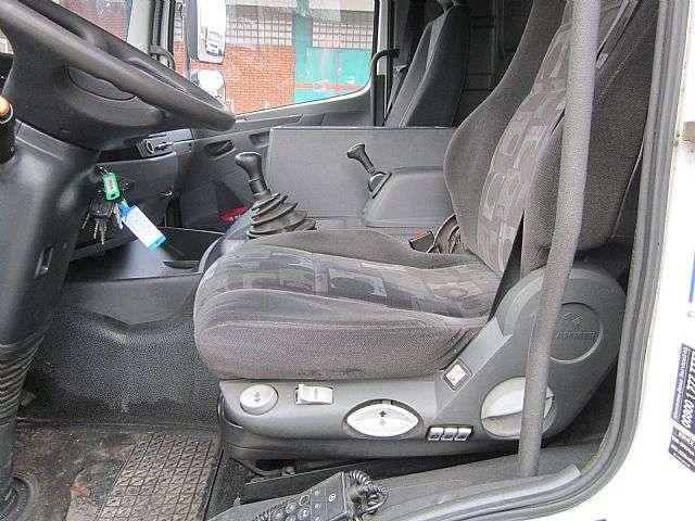 Mercedes-Benz 824 Atego Pritsche Plane 1. Hand Klima AHK - 2010 - image 9