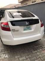 Super sharp clean title 2weeks old registered Honda crosstour 2010
