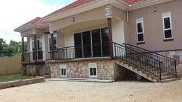 Kira.very new house on tamak for sell at 498m