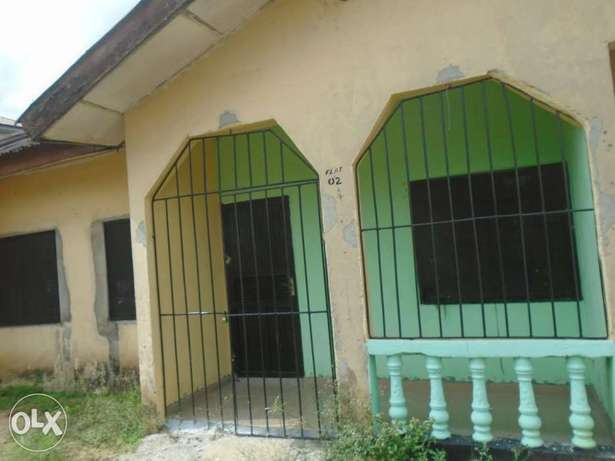 A well finished 1 bedroom flat at Rumunduru by culvert junction Port-Harcourt - image 1