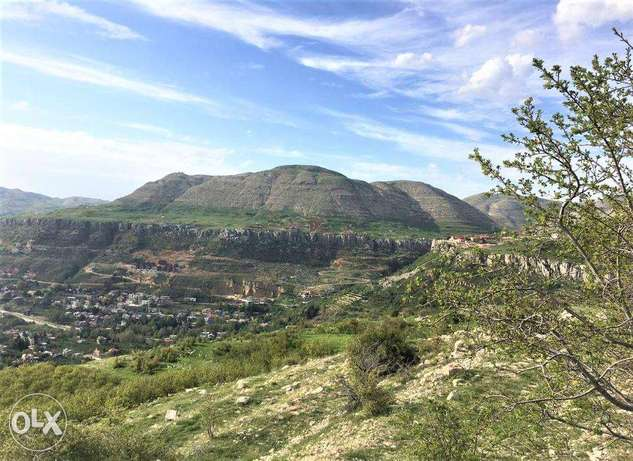 Beautiful Land in Fakra with STUNNING Mountains Viewأرض في فقرا ٥٨٠ م٢ فقرا -  3