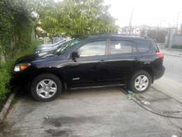 Toks 08 Toyota Rav 4(sport)4 sale in lekki for 3.7m Negotiable