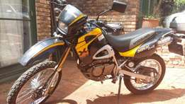 Hyosung 125 XRX cc 3000/km only ( Onroad offroad) One owner 2008 model