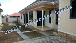 Dwelling self contained 2 bedroom house in kira at 400k