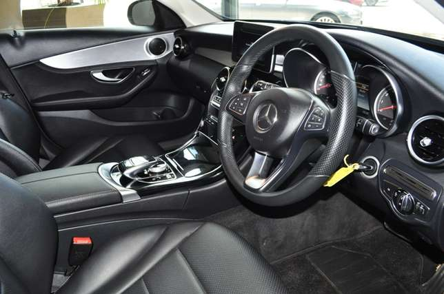 2014 Mercedes-Benz C-Class C180 Auto in Mint condition Bloemfontein - image 5