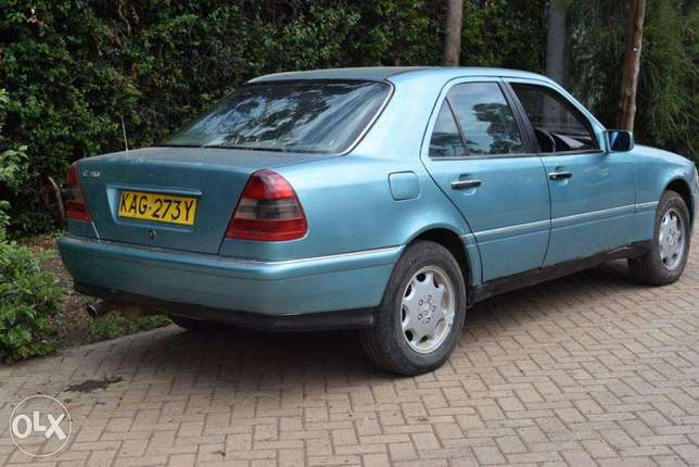 Mercedes C180. 5 Speed. Neat. Quick Sale. View in Karen Karen - image 2