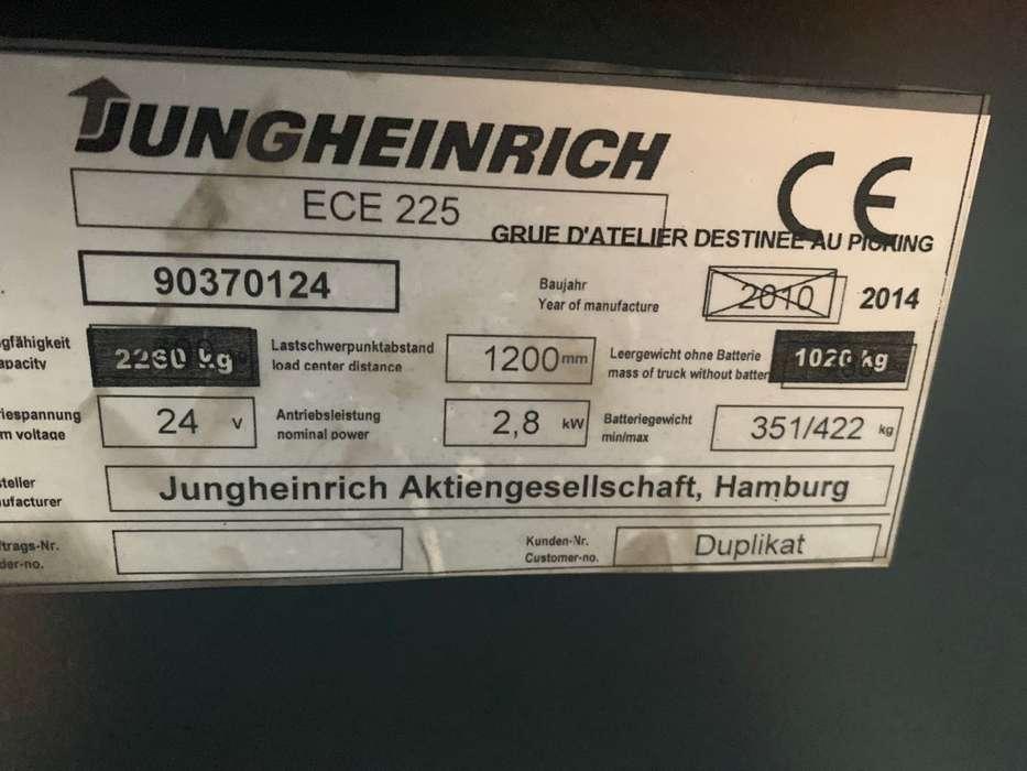 Jungheinrich ECE 225 palletwagen met kraan - image 8