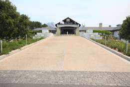 Lakefront Vacant Stand in Pearl Valley Golf Estate