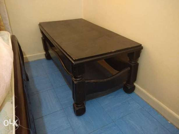 Sofa 7 seater , bed king size and coffee table for sale Ngara East - image 7