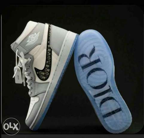 Nike Dior + sizes Available