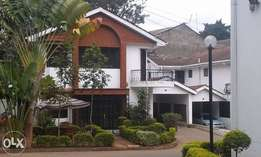5 bedrooms maisonette all en suite to let in Kilimani area with Dsq