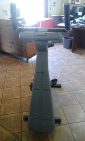 Used Life Fitness Exercise Bike for sale Heidelberg - image 7
