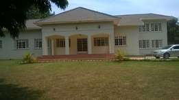 A 4 bedroom house for rent in bugonga at 1200dallars