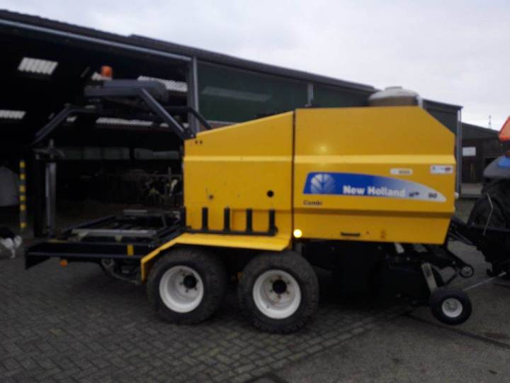 New Holland Br 6090 Combi - 2012