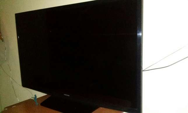 "Samsung LED 32"" TV set Umoja - image 8"