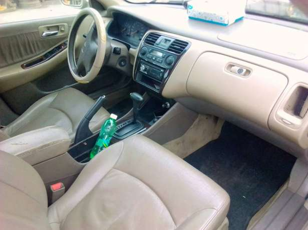 Registered Honda Accord, 2001 model. Yaba - image 7