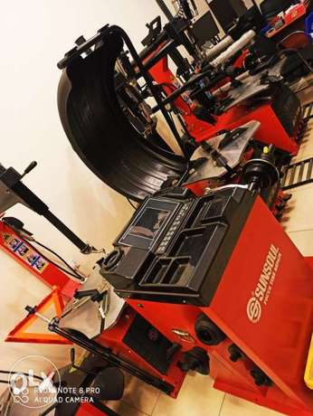 Tire changer and Balancing machines