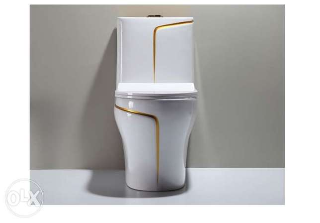luxury black wc toilet desigh model with gold line Riyadh - image 8