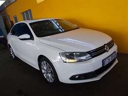 VW) - Jetta 6 2.0 TDi Highline