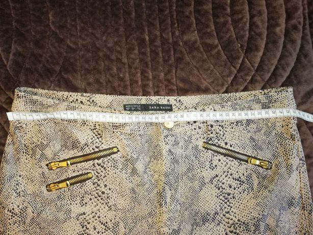 zara spodnie imitacja skóry węża sukienka